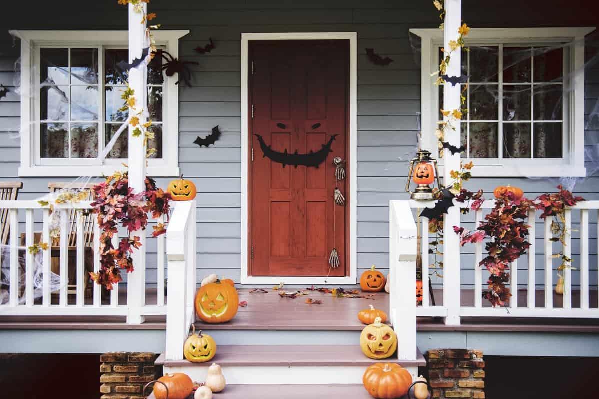 Es momento de decorar la casa para Halloween